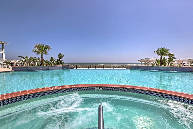 Nestled in the Beach Club Villas of Pointe West Resort, this cottage offers access to a plethora of resort-style community amenities for an additional fee.