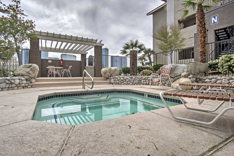 Walking distance from the Bellagio, this 1-bedroom, 1-bathroom vacation rental condo provides the ideal location for the ultimate Las Vegas getaway!