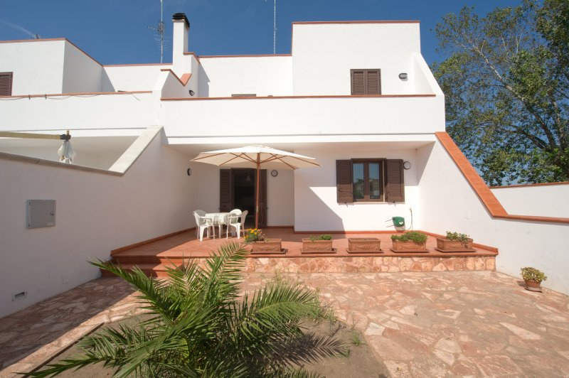 Beautiful apartment with garden, holiday rental in San Cataldo