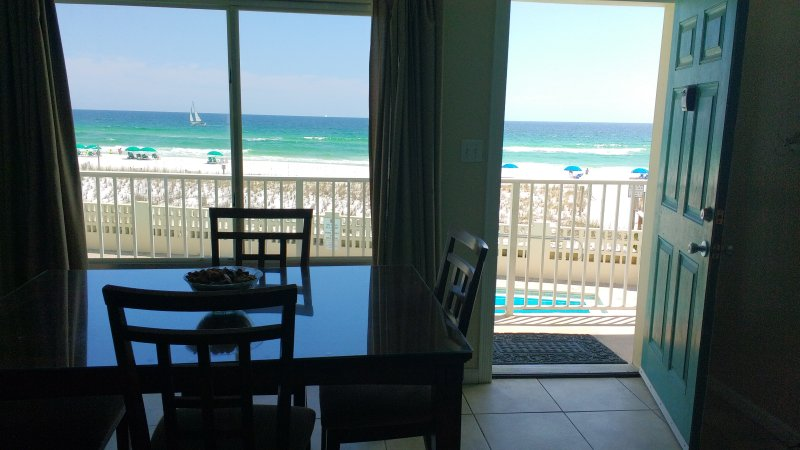 Aqua Villa 204 Beach front 2BR at a BARGAIN price!, holiday rental in Fort Walton Beach