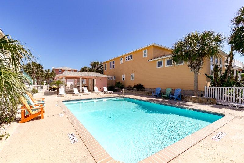 Building,Pool,Resort,Swimming Pool,Water