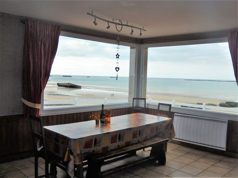 Amazing house with sea view & Wifi, holiday rental in Le Manoir