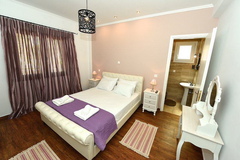 Villa Despina Benitses Corfu, holiday rental in Dafnata
