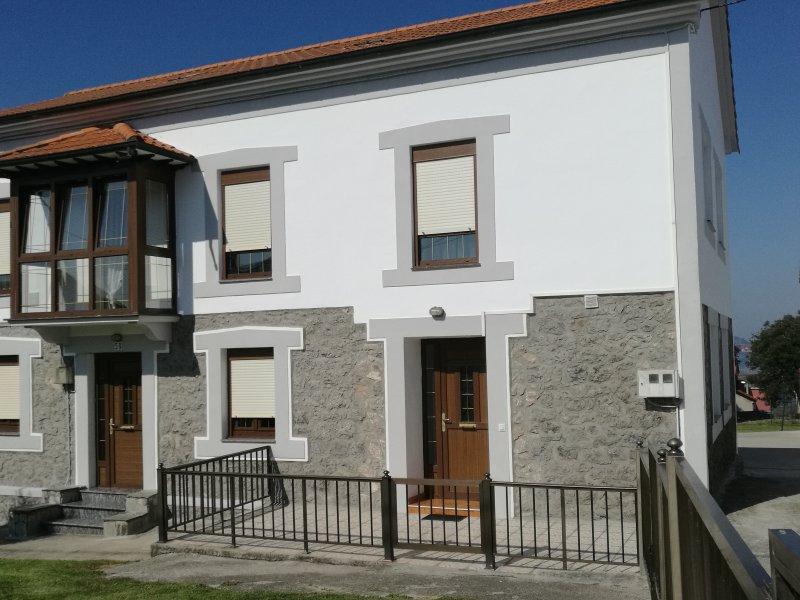 Casa Raquel en la Bahía de Santander, casa vacanza a La Cavada