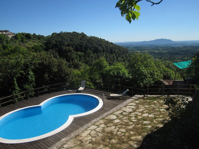 Casa Dolce Aria- Villa with pool and spectacular views in Montasola Lazio Italy, vacation rental in Casperia
