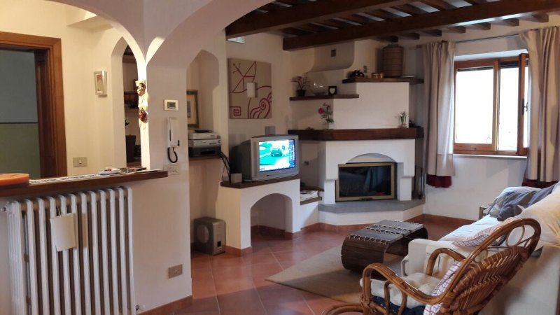 Accogliente appartamento di 85 mq  con 4 posti letto, casa vacanza a Passignano Sul Trasimeno