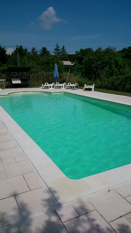 maison de maitre with private pool set in 10 acres, Ferienwohnung in Prignac-En-Medoc