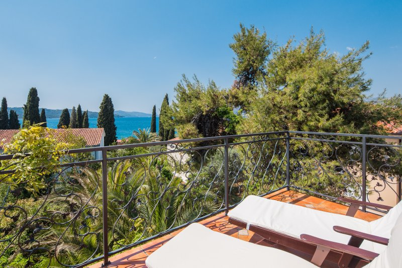 villa emeralda, vacation rental in Okrug Gornji