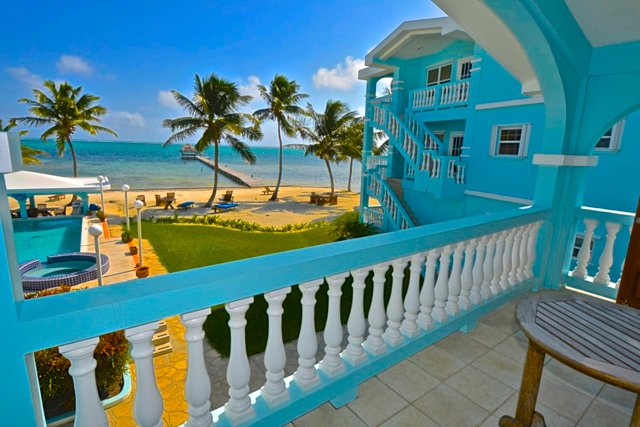 YES!  RENT ME IN BELIZE! - Stunning 2 Bed/2 Bath Villa on Pristine Beach w/Toys, holiday rental in Xcalak