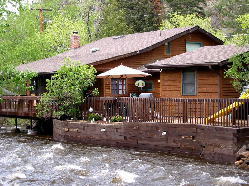 River Front House 1 block from downtown Estes - Back Deck overlooks River, vacation rental in Estes Park