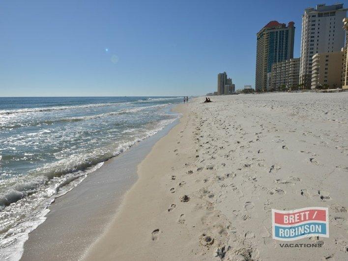 Phoenix 3 Orange Beach Beach 3.jpg