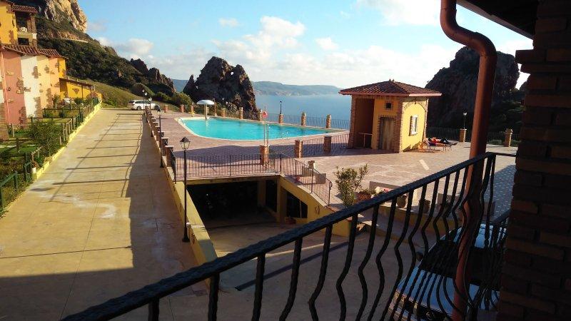 Il Veliero Tanca Piras 6 persone+piscina+wifi+vista mare+garage, vacation rental in Nebida