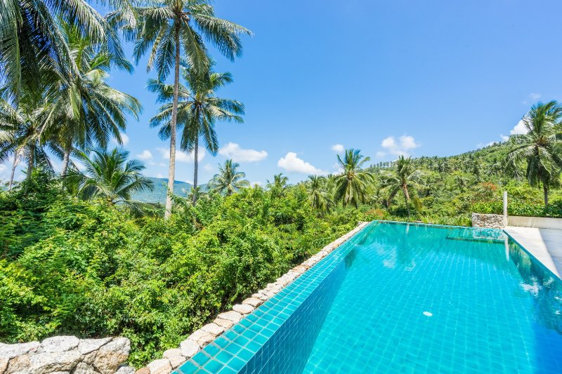 ❤️ Stylish 4 BR Villa ⭐For Families & Groups ⭐ Private Pool ⭐ King Size Beds!, vacation rental in Lamai Beach