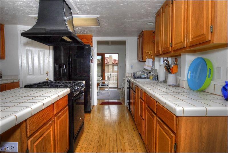 Indoors,Kitchen,Room,Hardwood,Floor