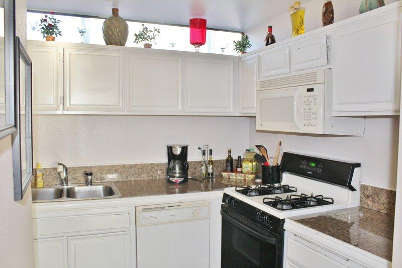 Indoors,Kitchen,Room,Oven,Cabinet