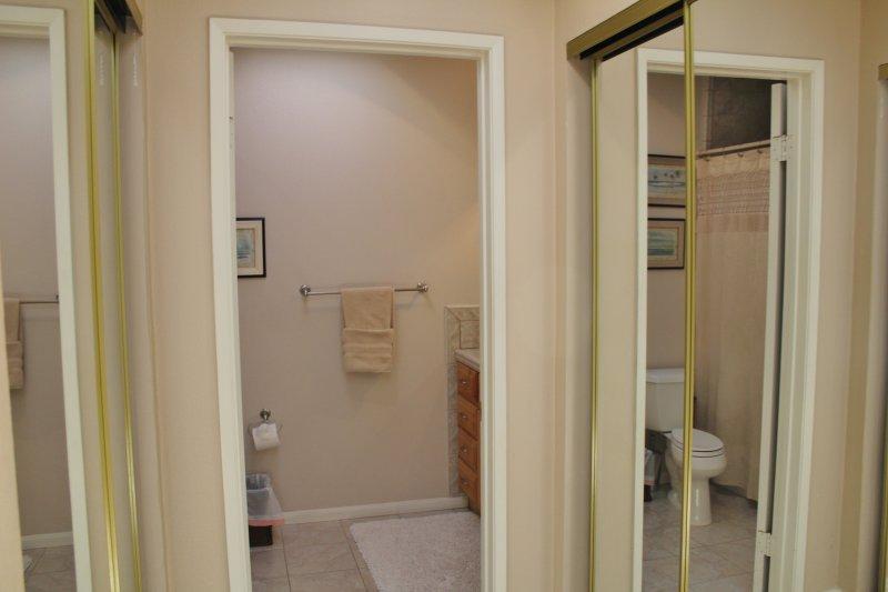 Toilet,Door,Folding Door,Indoors,Room