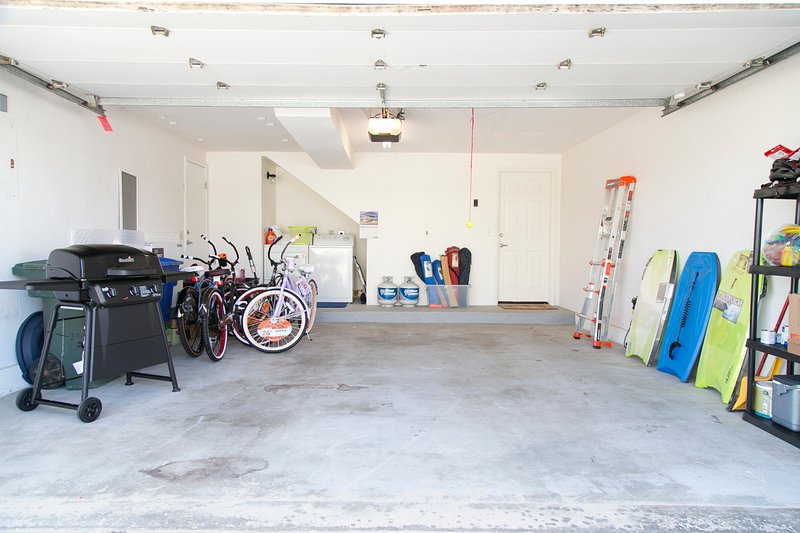Bicycle,Transportation,Dining Room,Indoors,Room