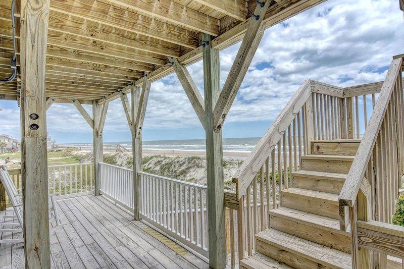 Bottom Level Deck - Oceanfront