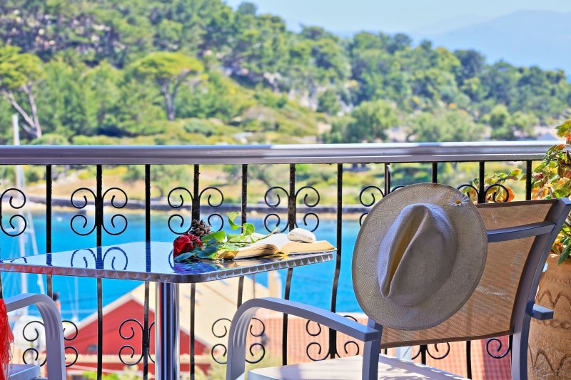 Avgi Dio: Typical Paxos apartment in Gaios, with beautiful views and close to, holiday rental in Gaios
