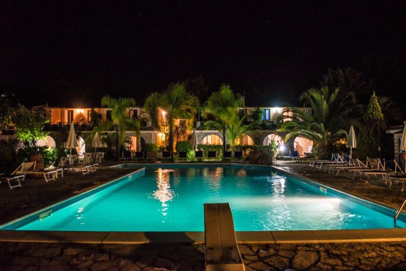 Residence Villamirella appartamento 4 posti, holiday rental in Palinuro
