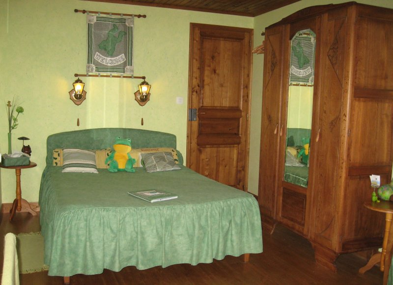 chambre d'hotes charmance, vacation rental in Rouille