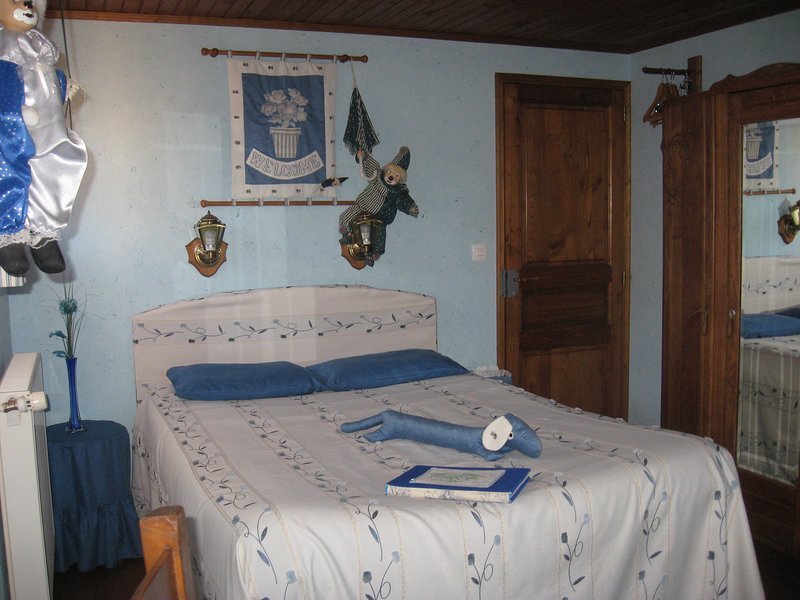 chambre d'hote charmance, vacation rental in Rouille