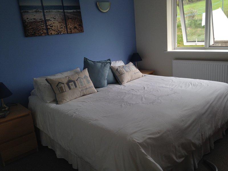 Master bedroom super king bed