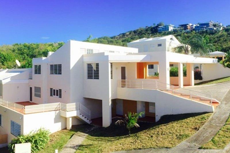 Erstaunlich Haus befindet sich in Las Croabas, Fajardo, Puerto Rico. Es liegt direkt neben dem El Conquistador Hotel