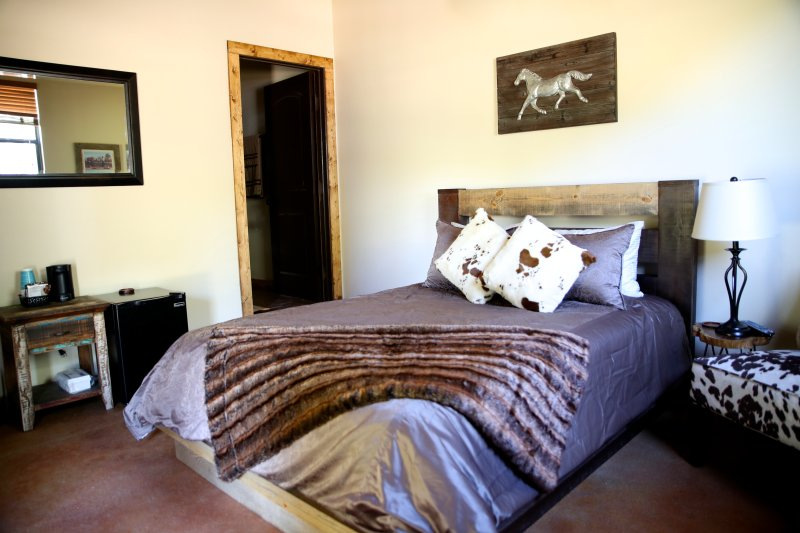 Estable House - Asante Lodging and Events, location de vacances à Dripping Springs