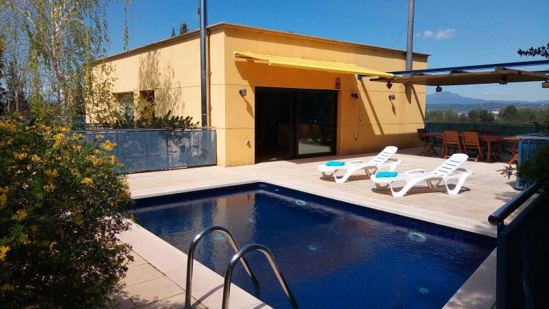 Sun terrace and private heated pool