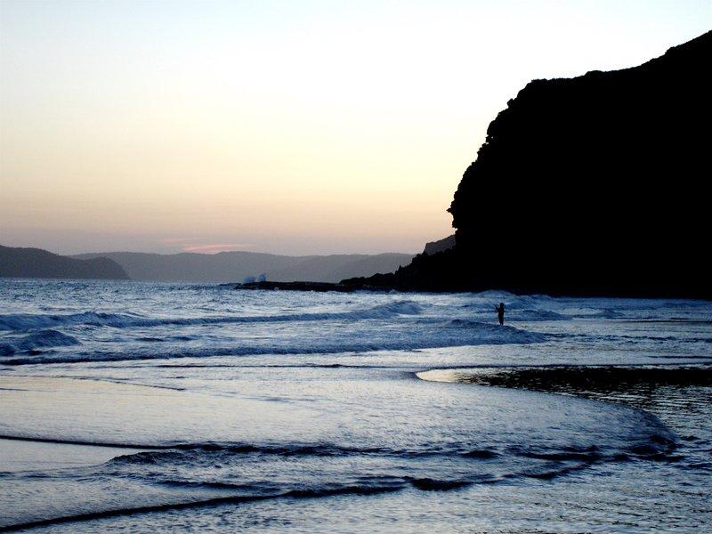 playas con poca gente para la pesca, el surf y la natación