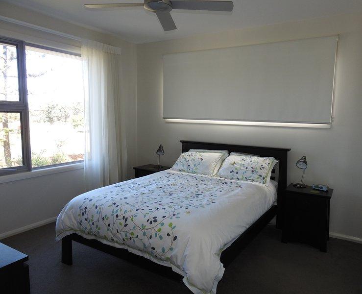 Y amplias habitaciones con una configuración de las camas práctica para amigos y familiares