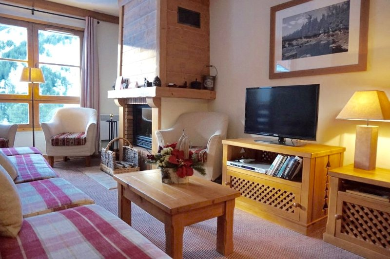 Lovely 4 bedroom ski-in ski-out apartment in Arc 1950, holiday rental in Les Arcs