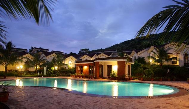 Romantic View - As you like it .. by the pool