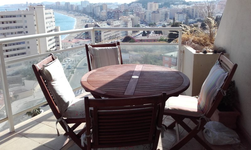 Apartamento exterior vistas al Mar, vacation rental in Fuengirola