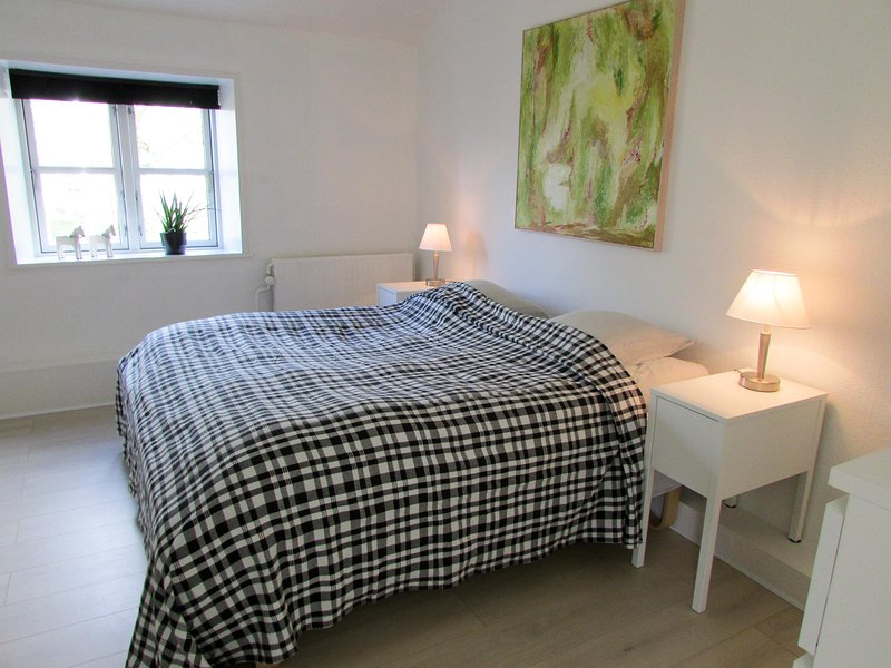 Deluxe Apartment with Garden View - Provstegården Bed & Breakfast, casa vacanza a Bryrup