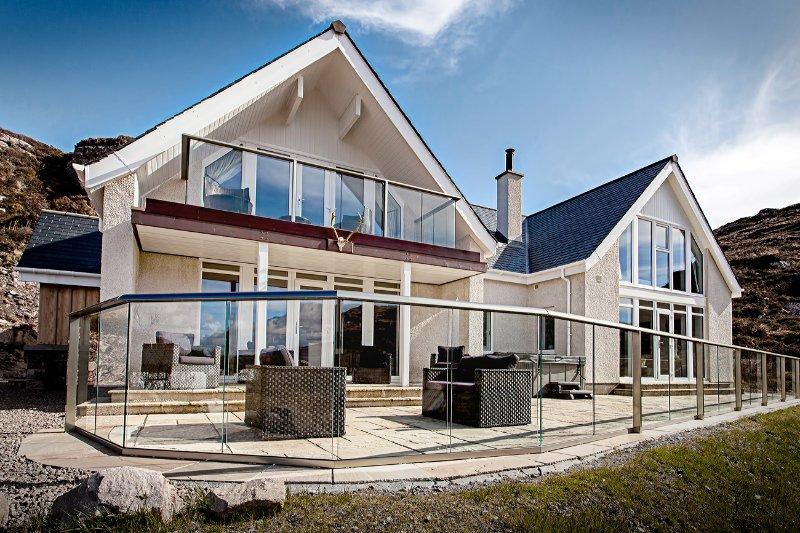Ardmair Bay House, vacation rental in Loggie