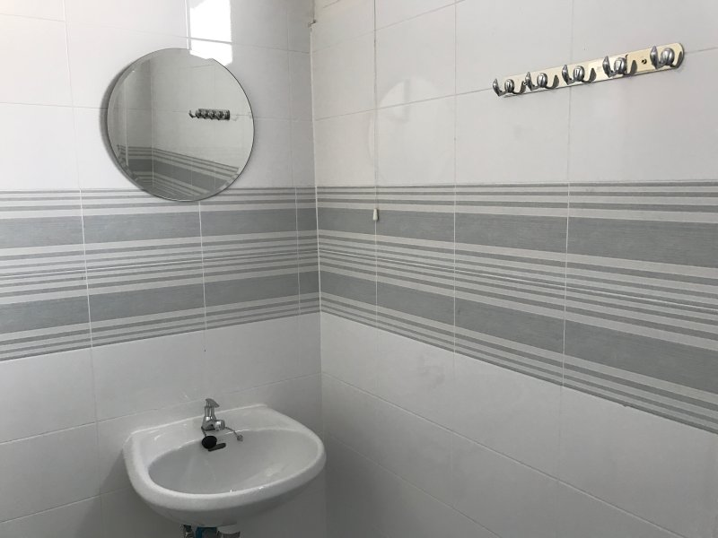 Ensuite bathroom with hot shower