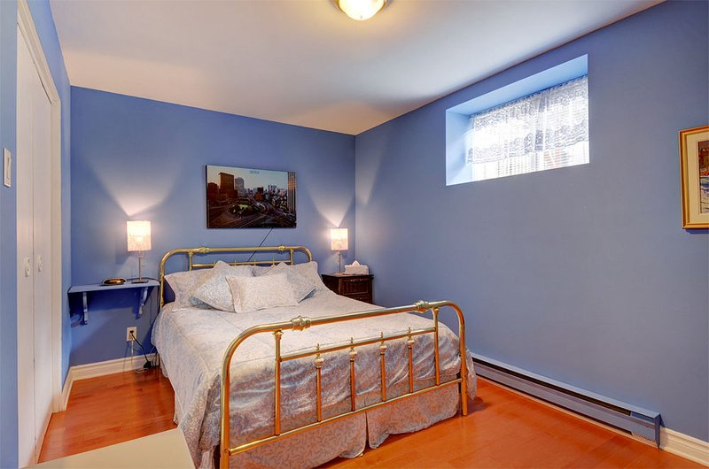 Standard Room, Shared Bathroom (Heron Bleu), vacation rental in Saint-Laurent-de-l'Ile-d'Orleans