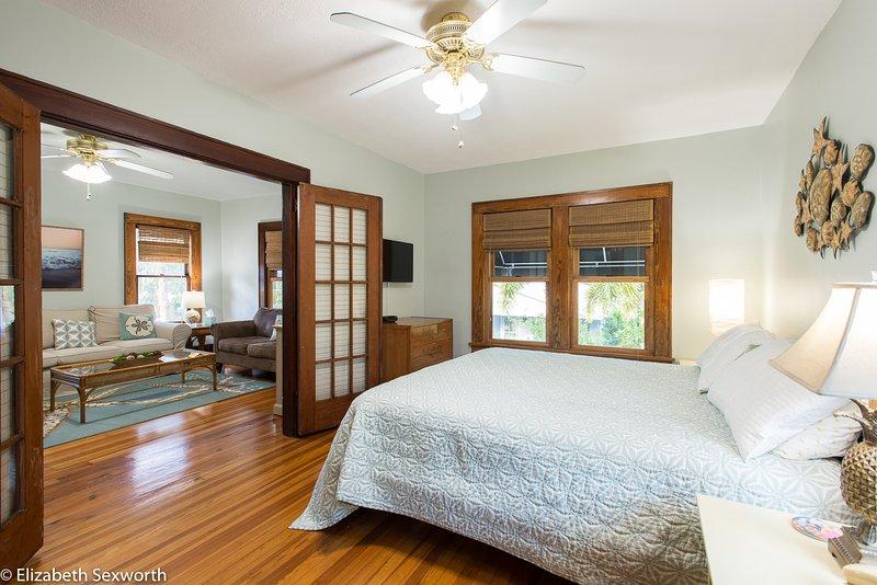 Very spacious bedroom