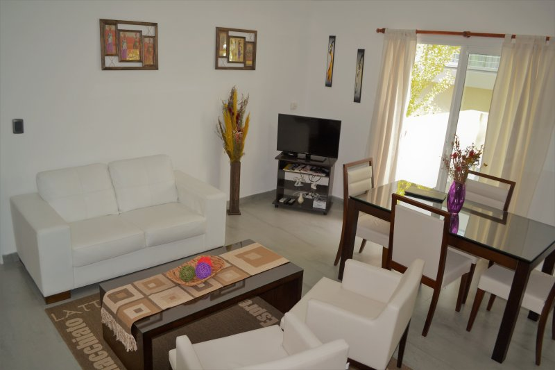 Tu lugar en Colonia - Lovely Apartment, vacation rental in Colonia del Sacramento