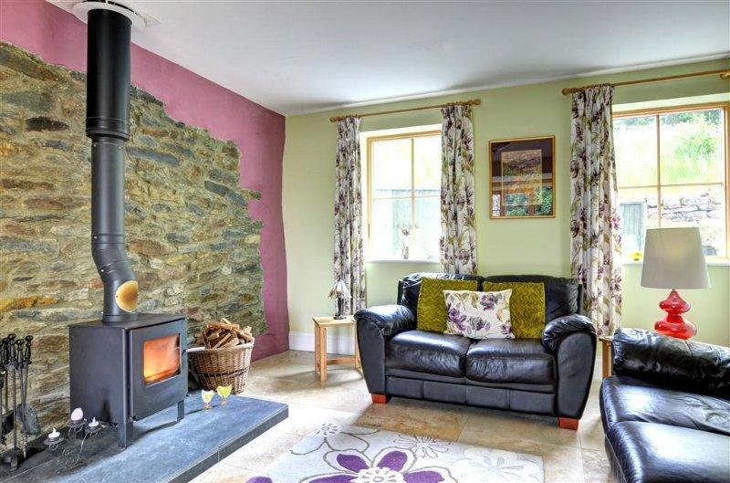 Buzzard View: Sumptuous two bedroom luxury barn conversion (FL011), vakantiewoning in Tal-y-Cafn