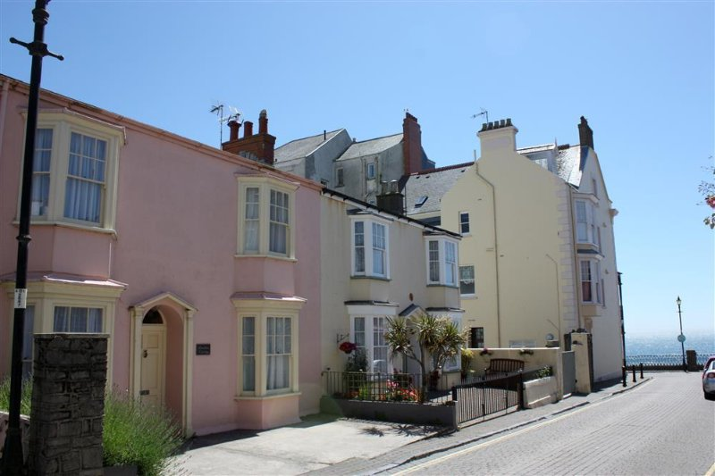 Beautiful double fronted cottage, with parking and a stone's throw from the sea