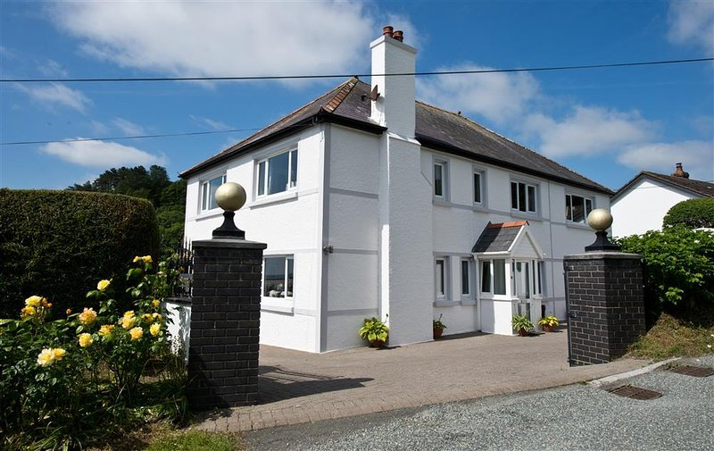 Sunnyridge (PW303), holiday rental in Amroth