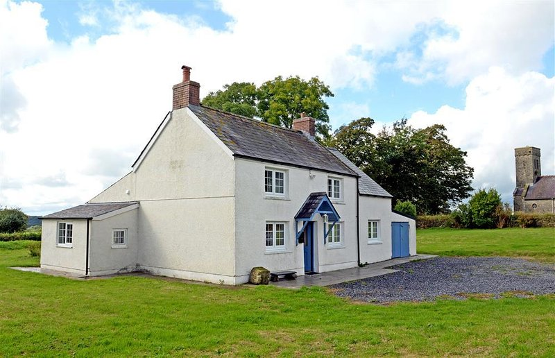 Lovely cottage full of character set in countryside surrounding.