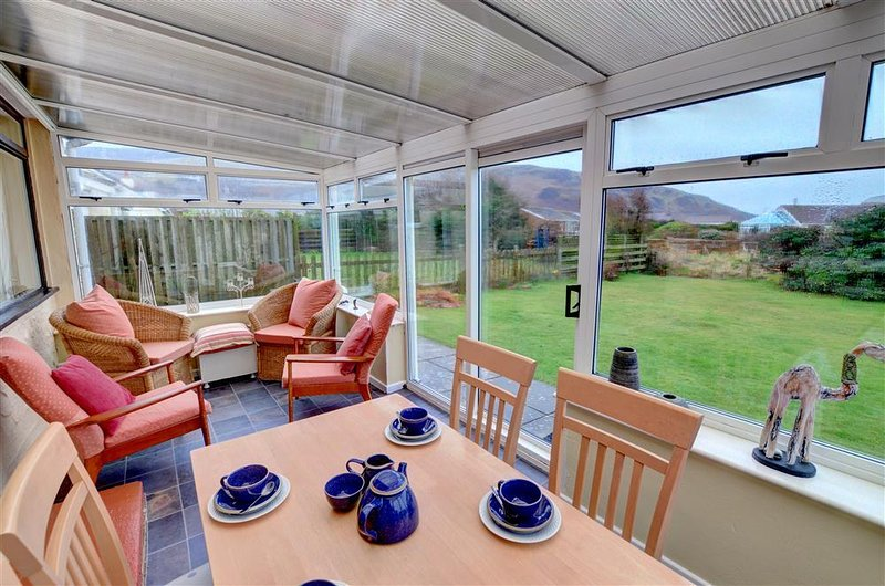 53 Belgrave Road (WAH588), vacation rental in Fairbourne
