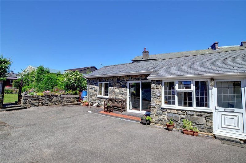 The Old Stables (WAK233), vacation rental in Pant-y-Dwr