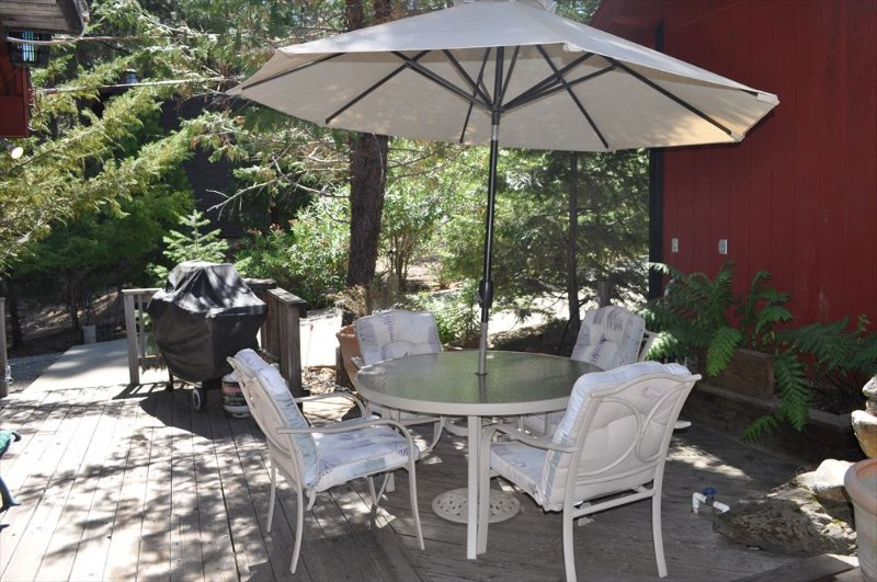 Unit 8 Lot 69 Pine Mountain Lake Pet Friendly Vacation Rental 3/4m to Marina Beach The Hideout. All images are copyrighted and the sole property of YRR, ALL RIGHTS RESERVED.