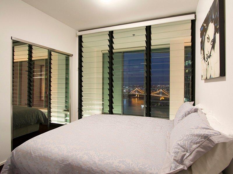 2: a sovrummet på natten
