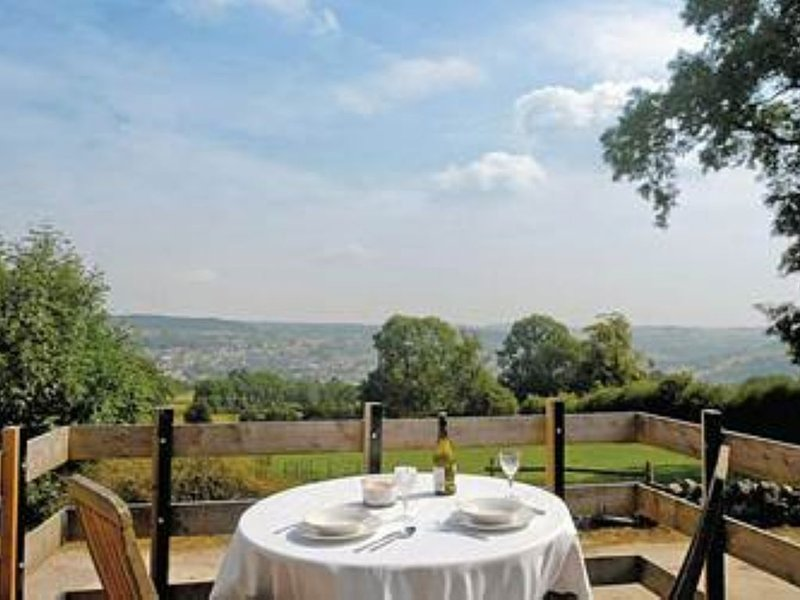 Stunning Views, Peace and Tranquility. Stone Cottage aptly named 'Miles Around'., holiday rental in Tansley